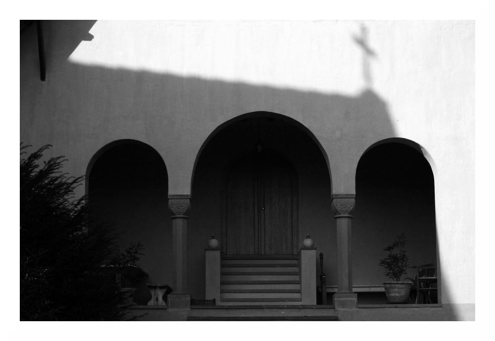(39) Im Schatten des Kreuzes