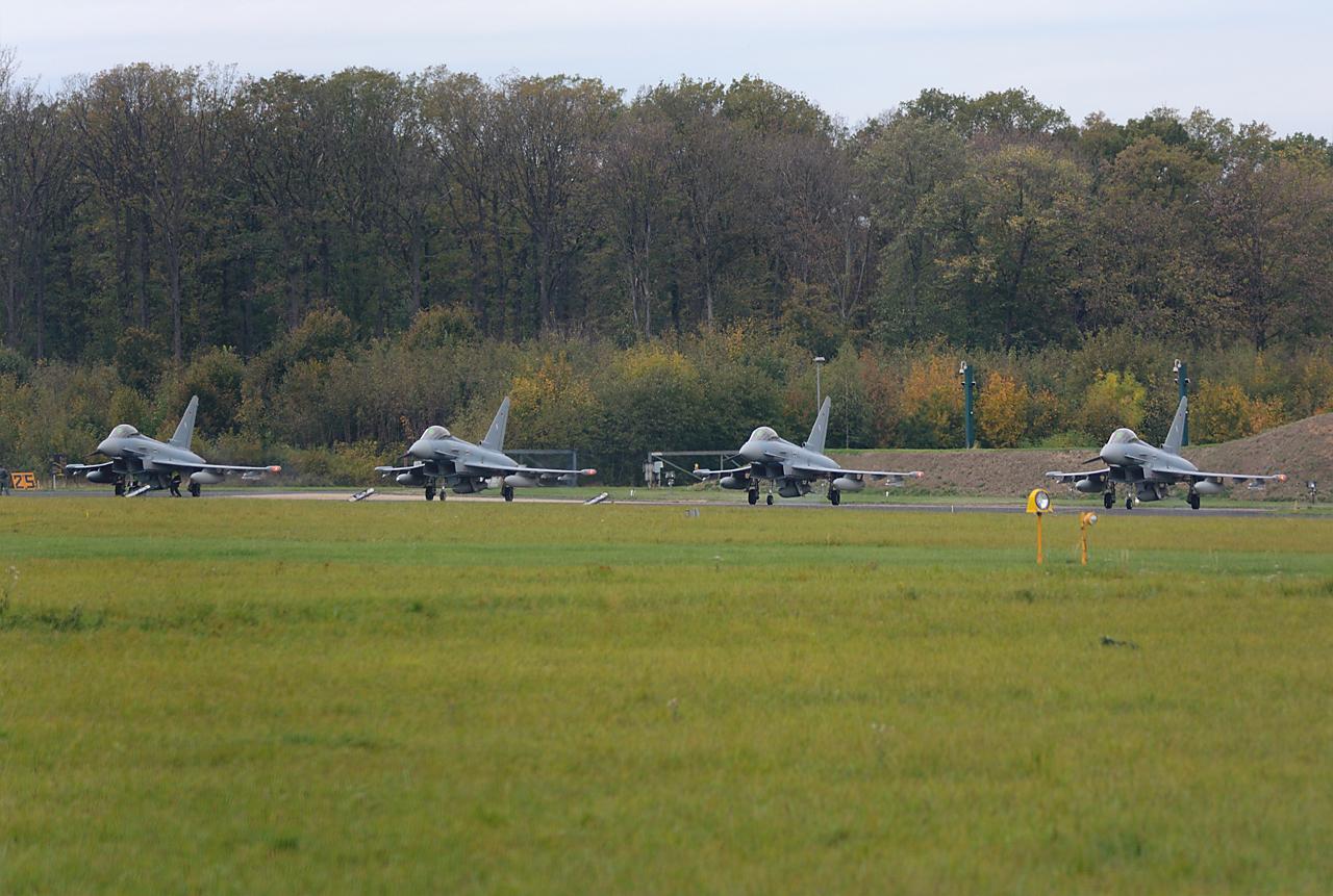 """4 Eurofighter """"am Start"""""""