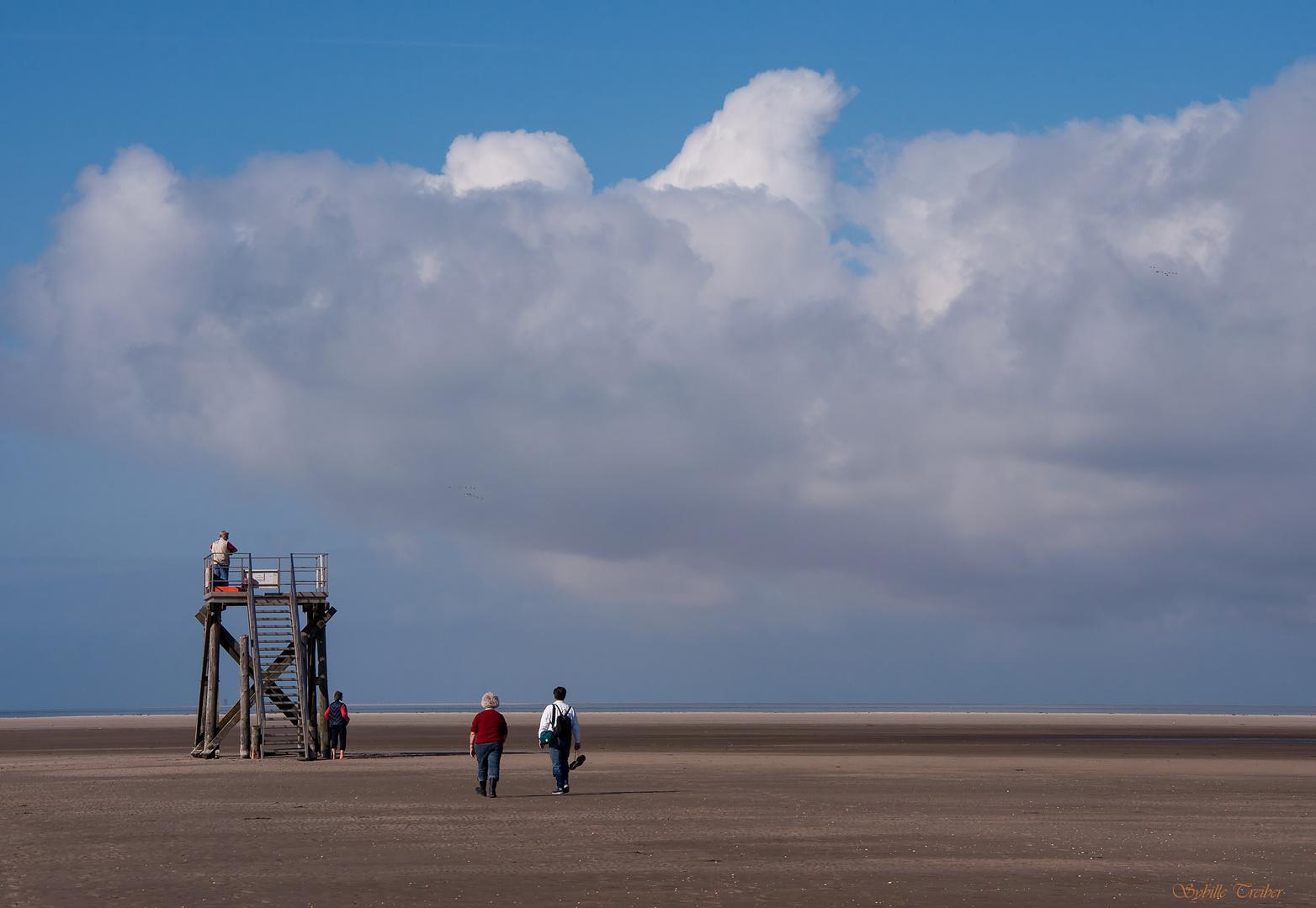 4 personnes et une plage solitaire