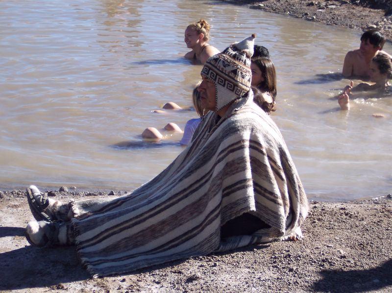 4300m ü. NN heiß baden mit Folklore