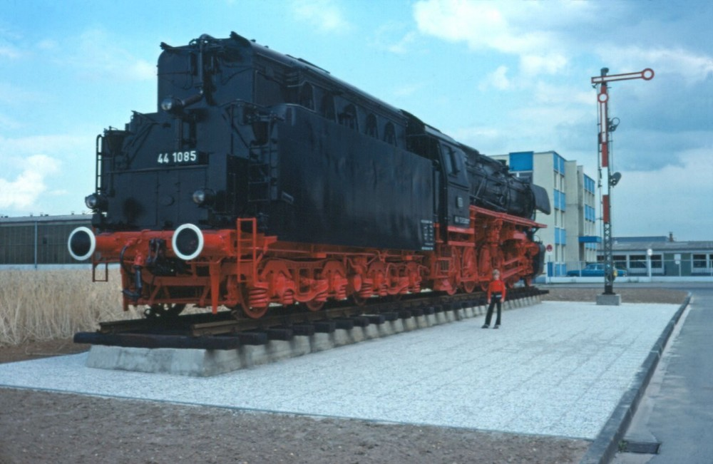 44 1085 im Stollwerkgelände Köln-Porz