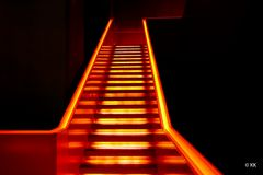 (46) Treppe in Rot