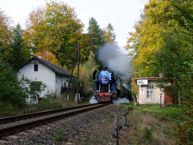 477 043 an der Blockstelle Merkovka, Luzna- Revnikov 10/ 2012