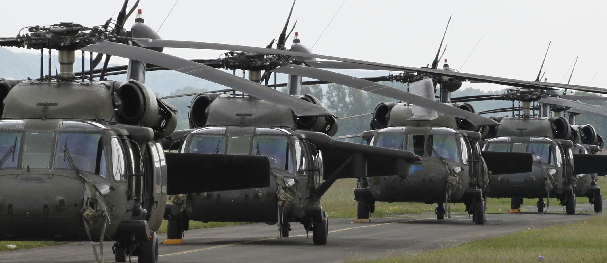 5 Blackhawks am Hassfurter Flugplatz