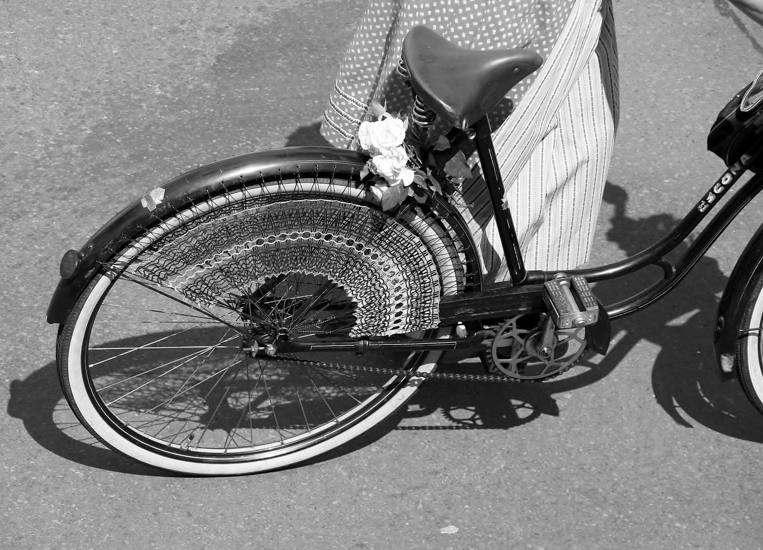 50er jahre fahrrad fahren foto bild autos zweir der. Black Bedroom Furniture Sets. Home Design Ideas