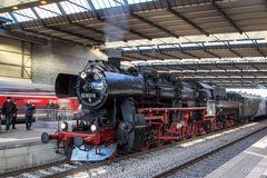 52 8131-6 im Chemnitzer Hauptbahnhof am 20.12.2015...