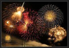 « 5x10 Sekunden Abschlussfeuerwerk Cranger Kirmes 2007 »