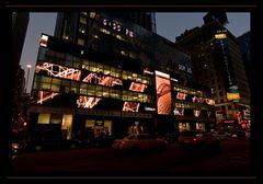6:55 pm - Times Square - NY - V