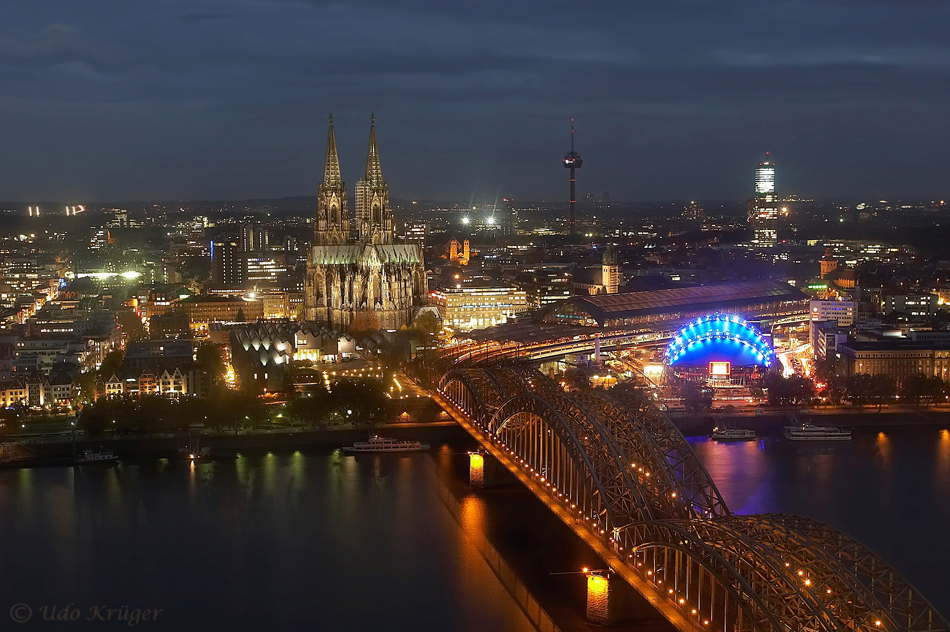 7 ~ Köln bei Nacht vom LVR Turm
