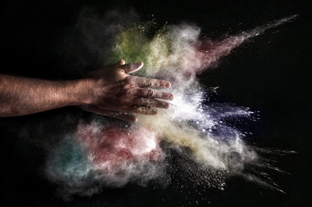 Explosion in my hands di lara zanarini