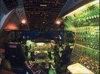 747-300 Cockpit