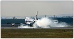 747 - Harte Landung