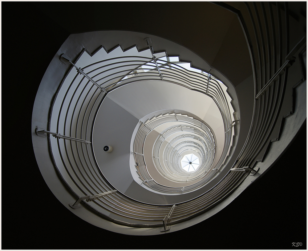 8 Stockwerke von unten