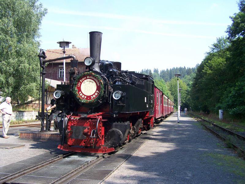 """99 5906 in Alexisbad am 7.8.2007 anläßlich """"120 Jahre Selketalbahn"""""""