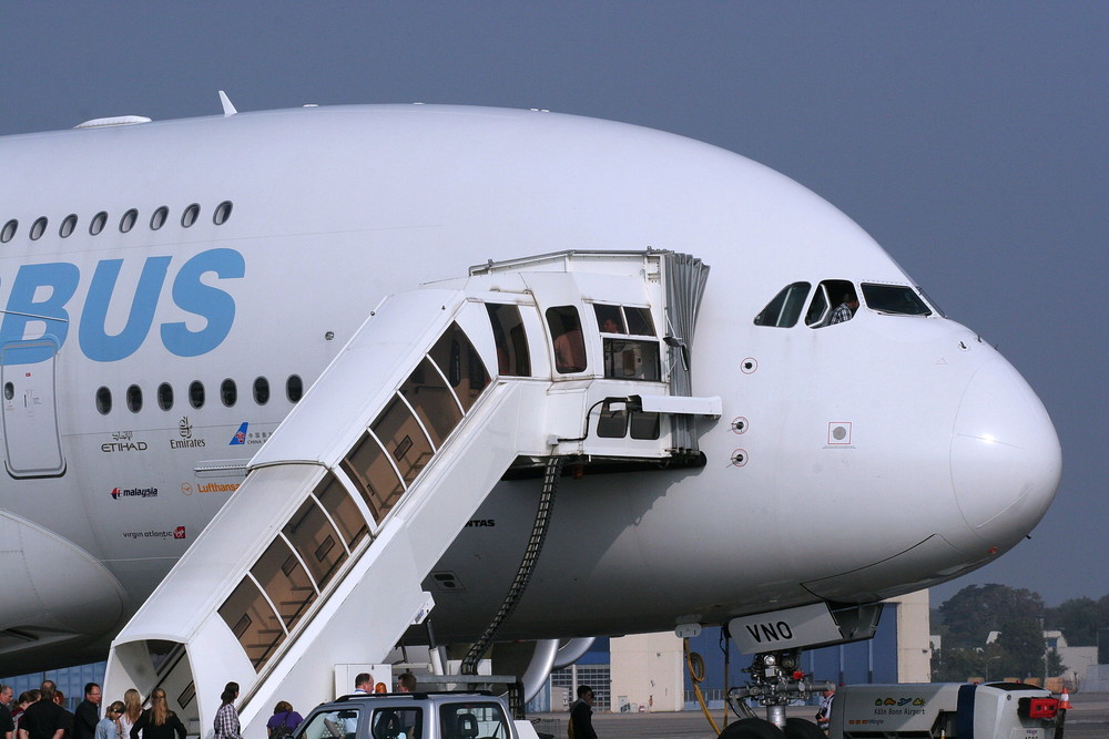 A 380 front