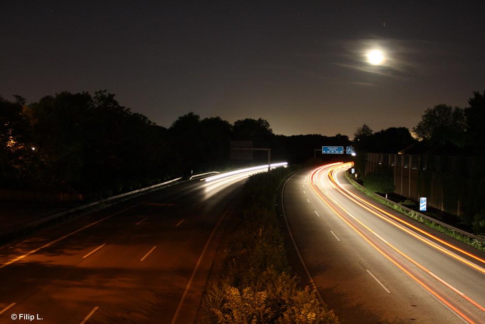 A 42 bei Nacht