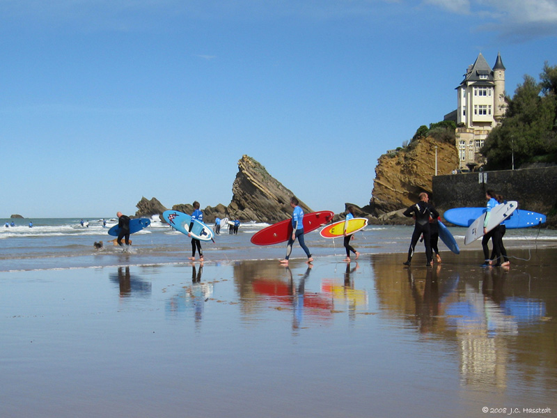 A day of surfing and fun in the sun in Biarritz