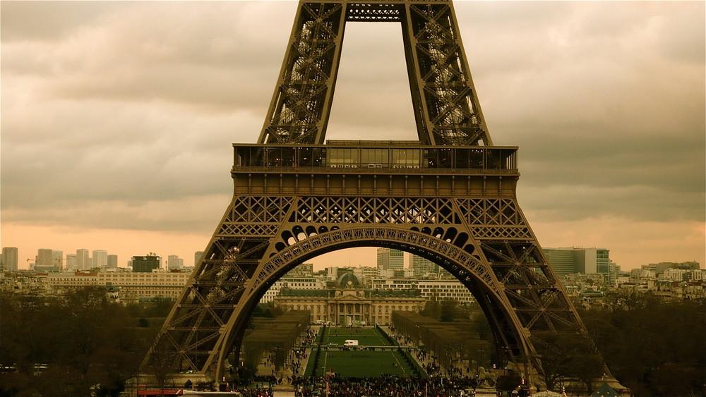 """ A "" de Paris"