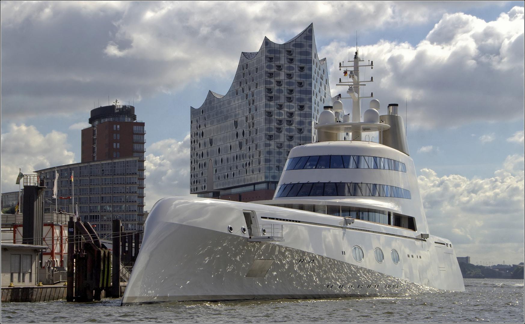 """""""A"""" heißt diese Yacht...."""