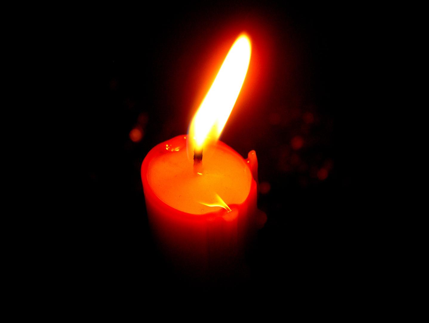 A la luz de la vela