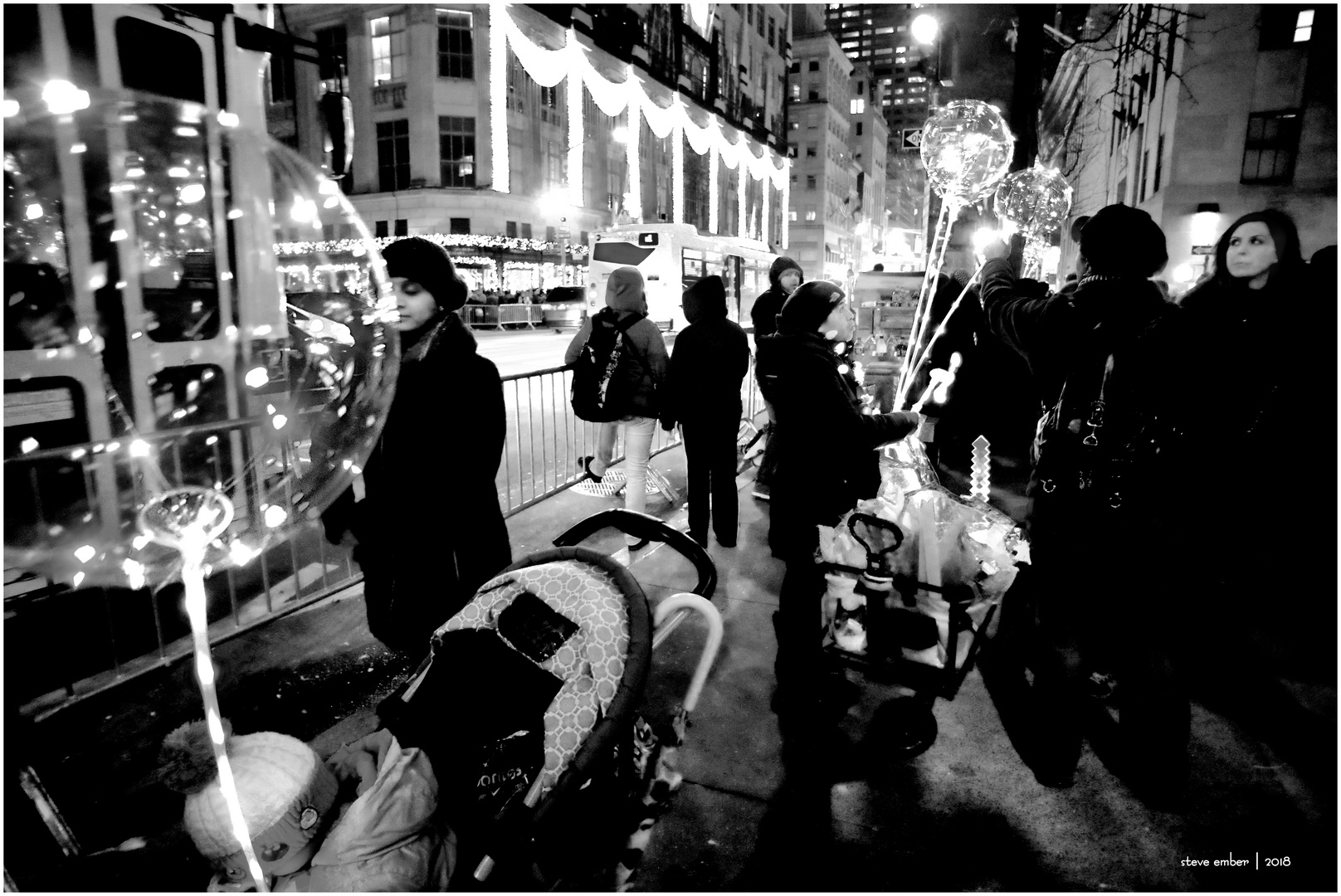 A More Intimate Holiday Season Light Show - a New York Moment
