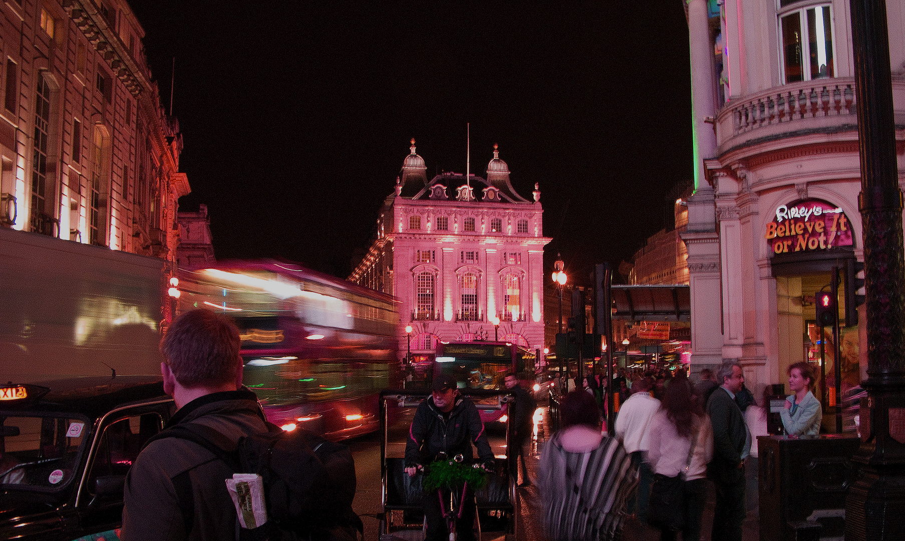 A night at Piccadilly Circus