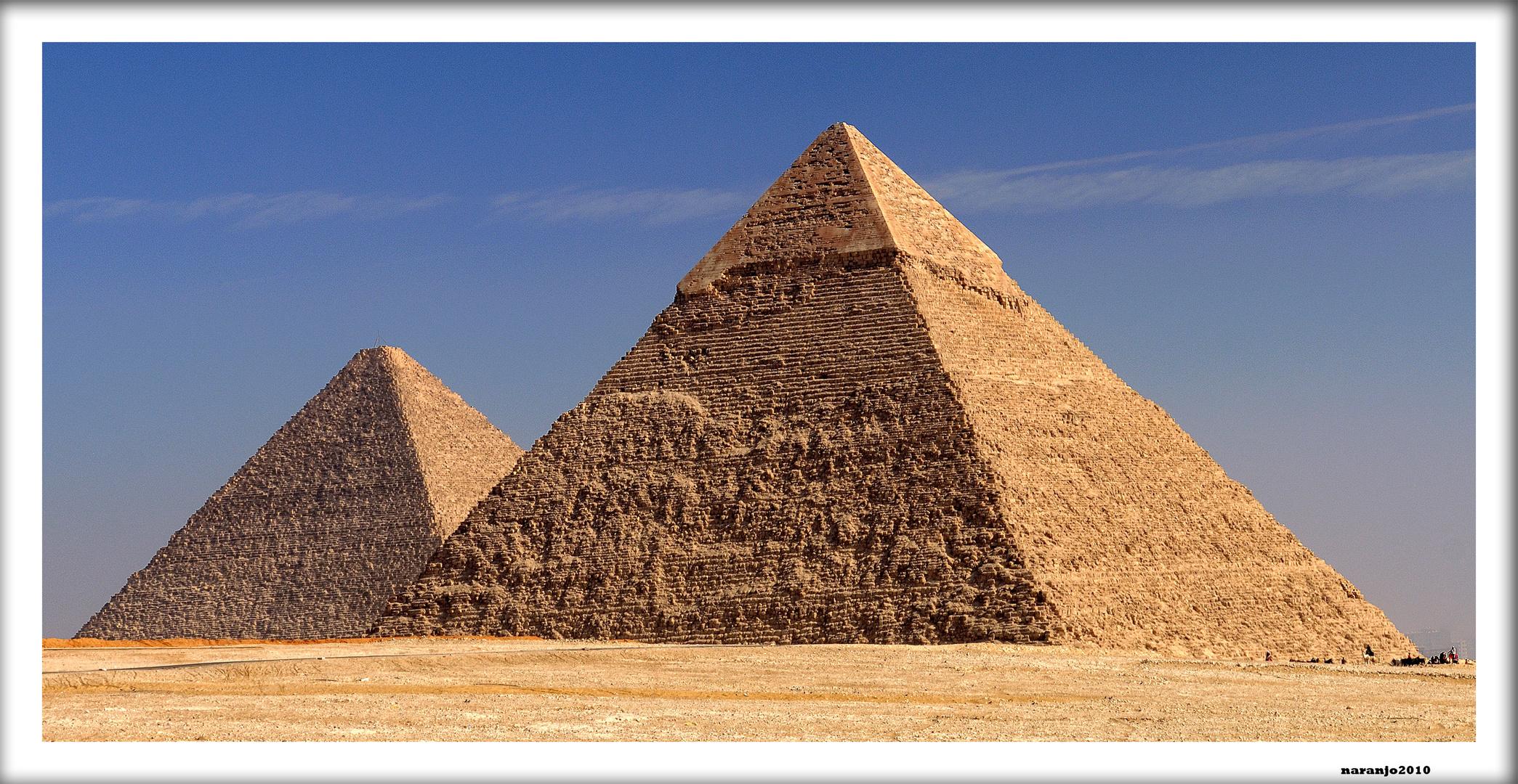A ORILLAS DE NILO PIRAMIDES DE KEOPS Y KEFREN -GUIZA-EGIPTO