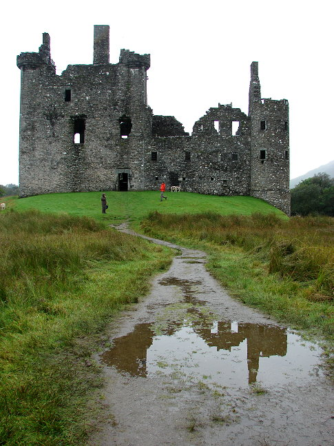 A rainy day at Kilchurn Castle, Scotland