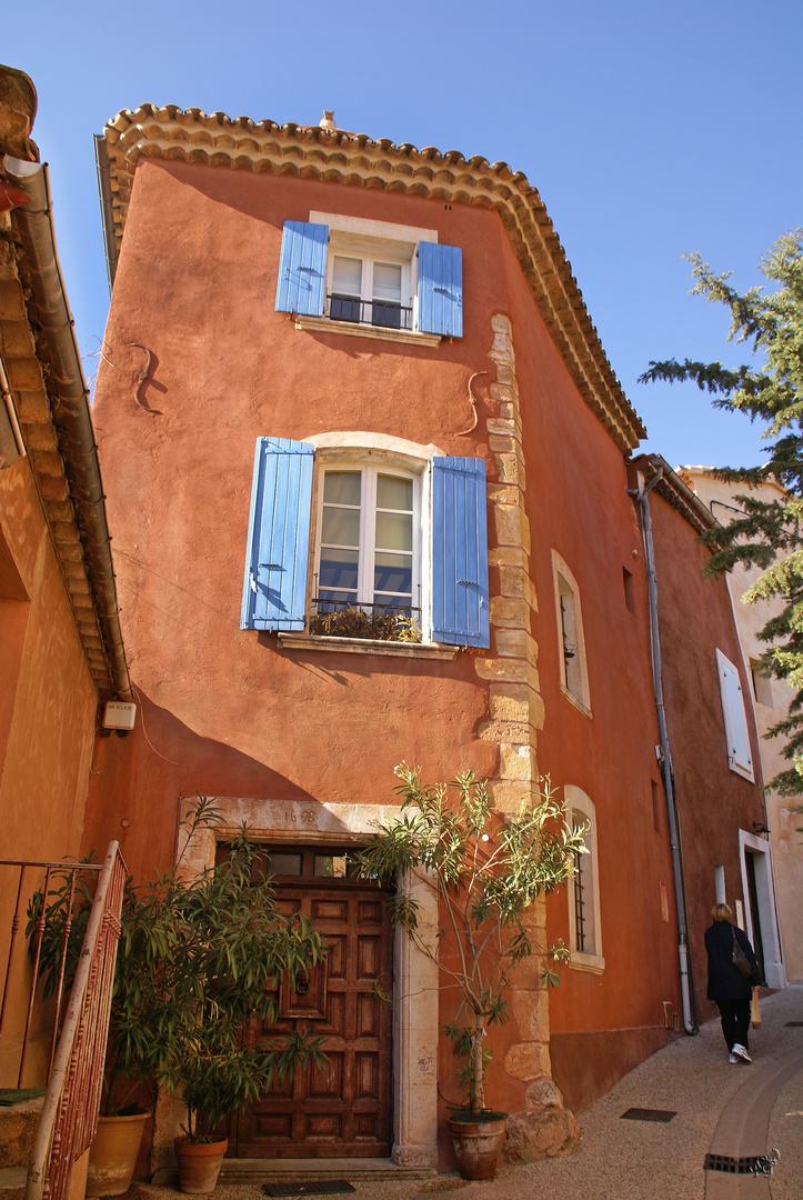 A Roussillon .....