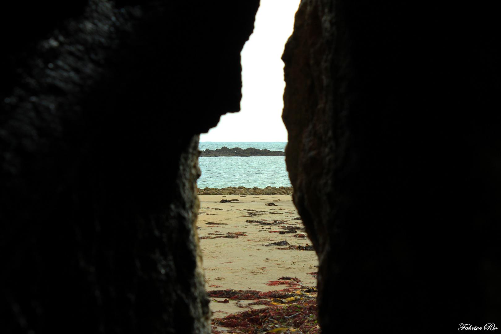 A travers la pierre