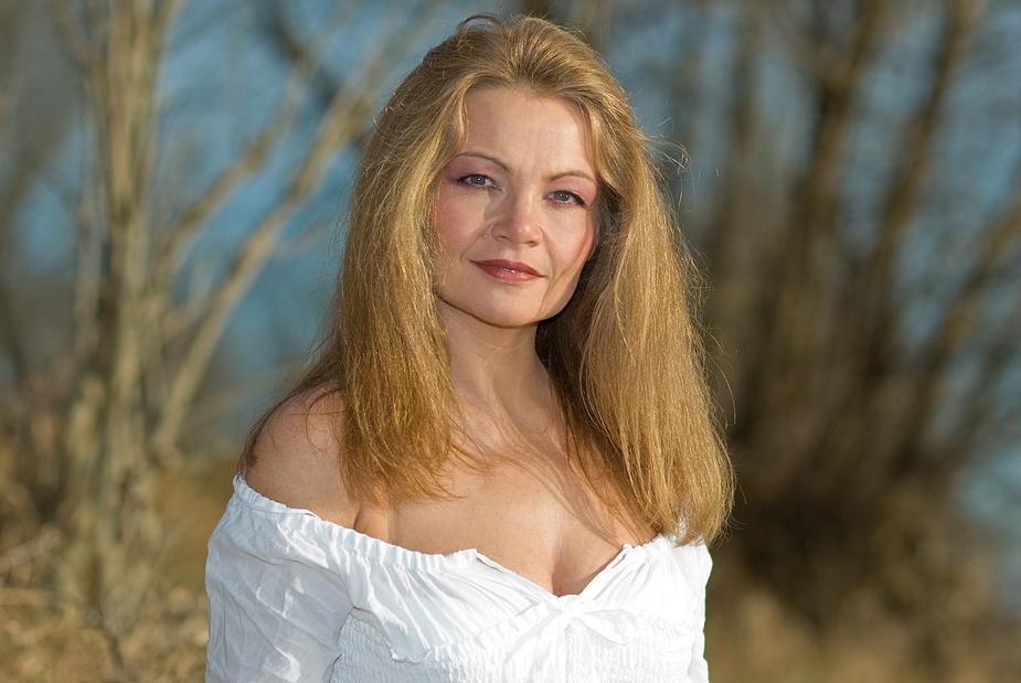 a woman Foto & Bild | portrait, portrait frauen, outdoor