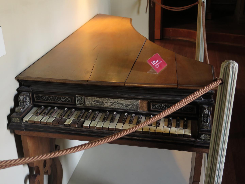 a XVII century piano