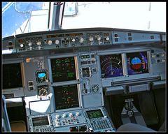 A319 Cockpit LAN Airlines
