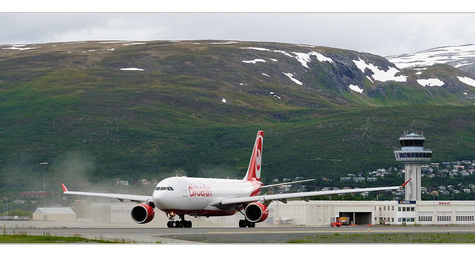 A330 in Tromsø (II)