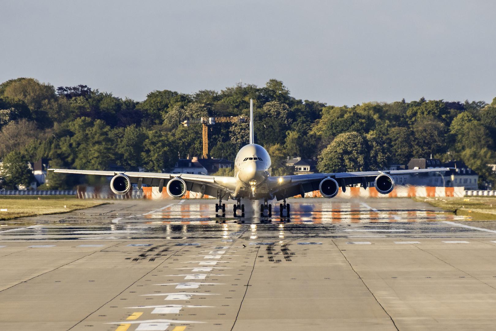 A380 Etihad touch down...