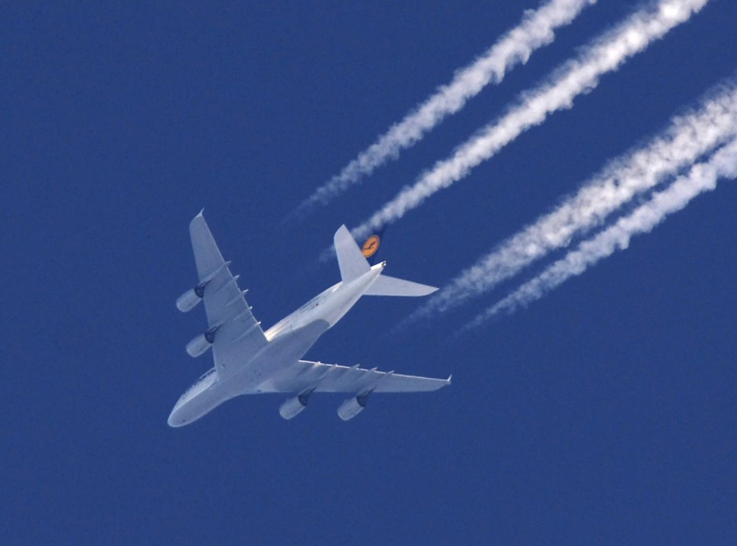 A380 nordöstlich von Berlin mit 960km/h in 40000 feet (12192 m)  nach Tokio unterwegs
