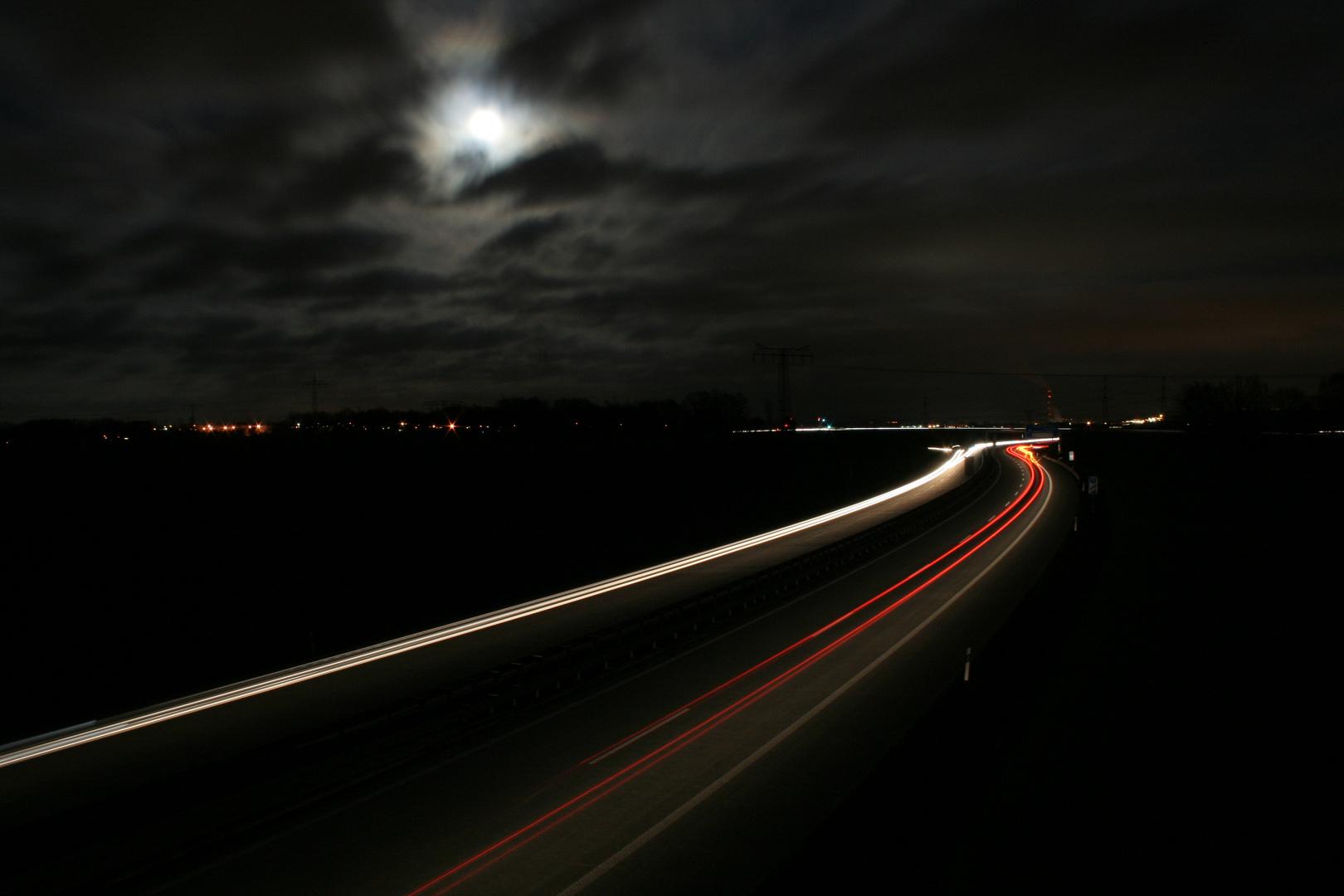 A72 bei Nacht.
