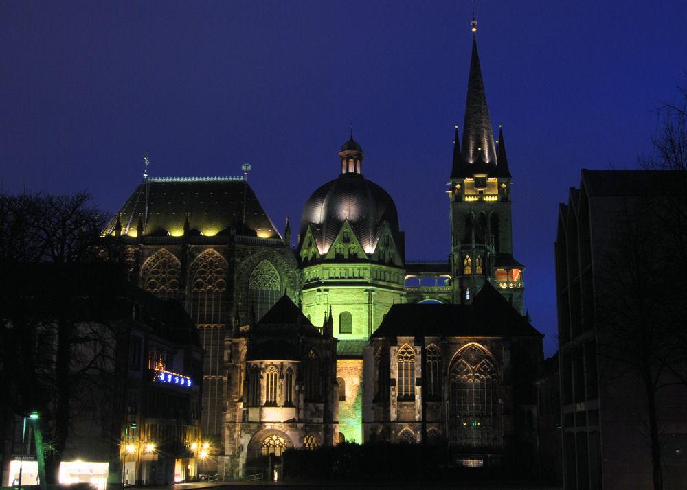Aachener Dom bei Nacht