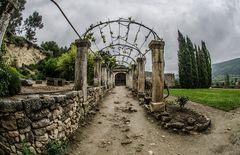 Abbaye De Saint Hilaire - im Garten