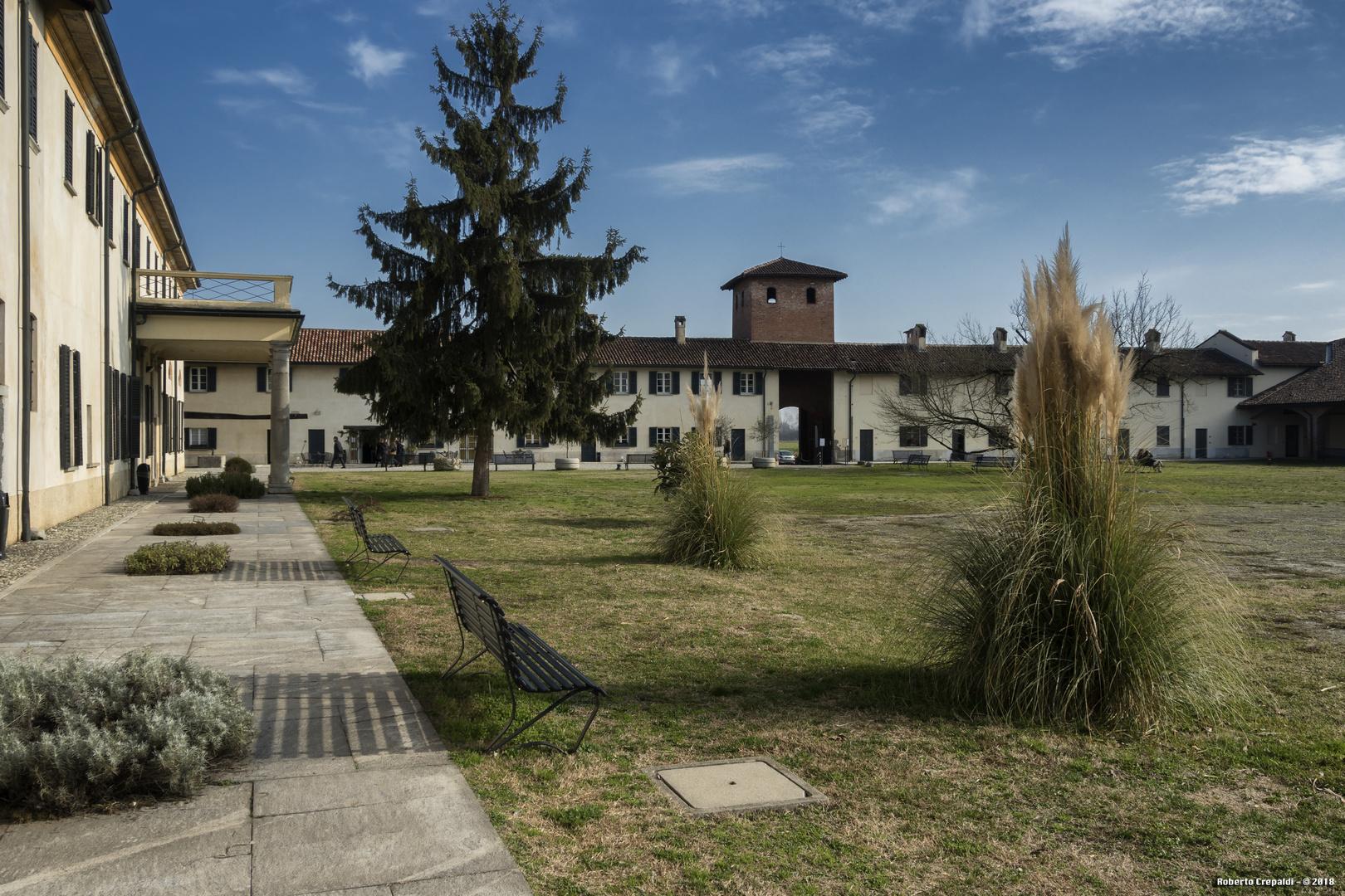 Abbazia di Mirasole, corte
