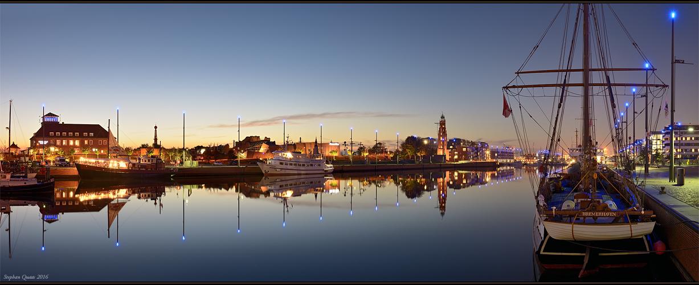 Abend am Neuen Hafen