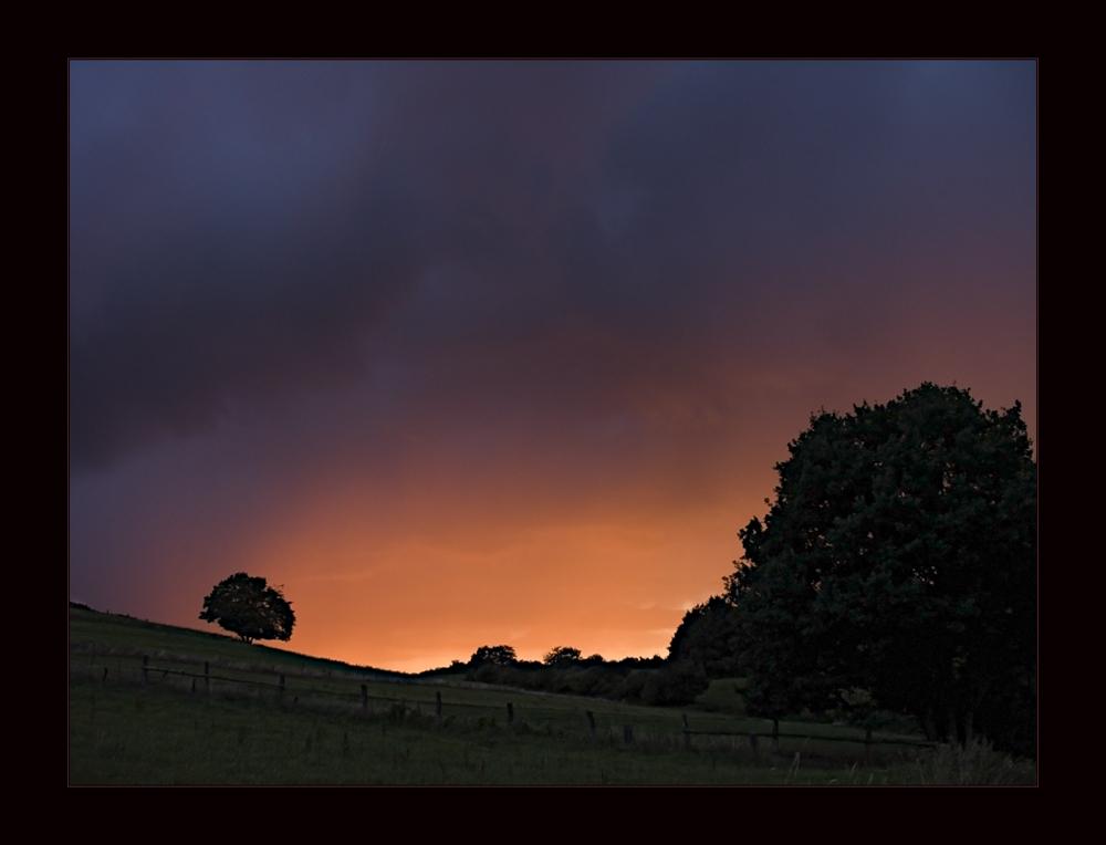 Abend-Feuer über meinem Tal...