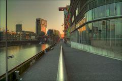 Abend im Medienhafen (II)