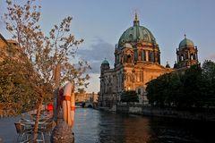 abend in berlin sieht alle golden aus