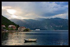 Abend in der Bucht von Kotor