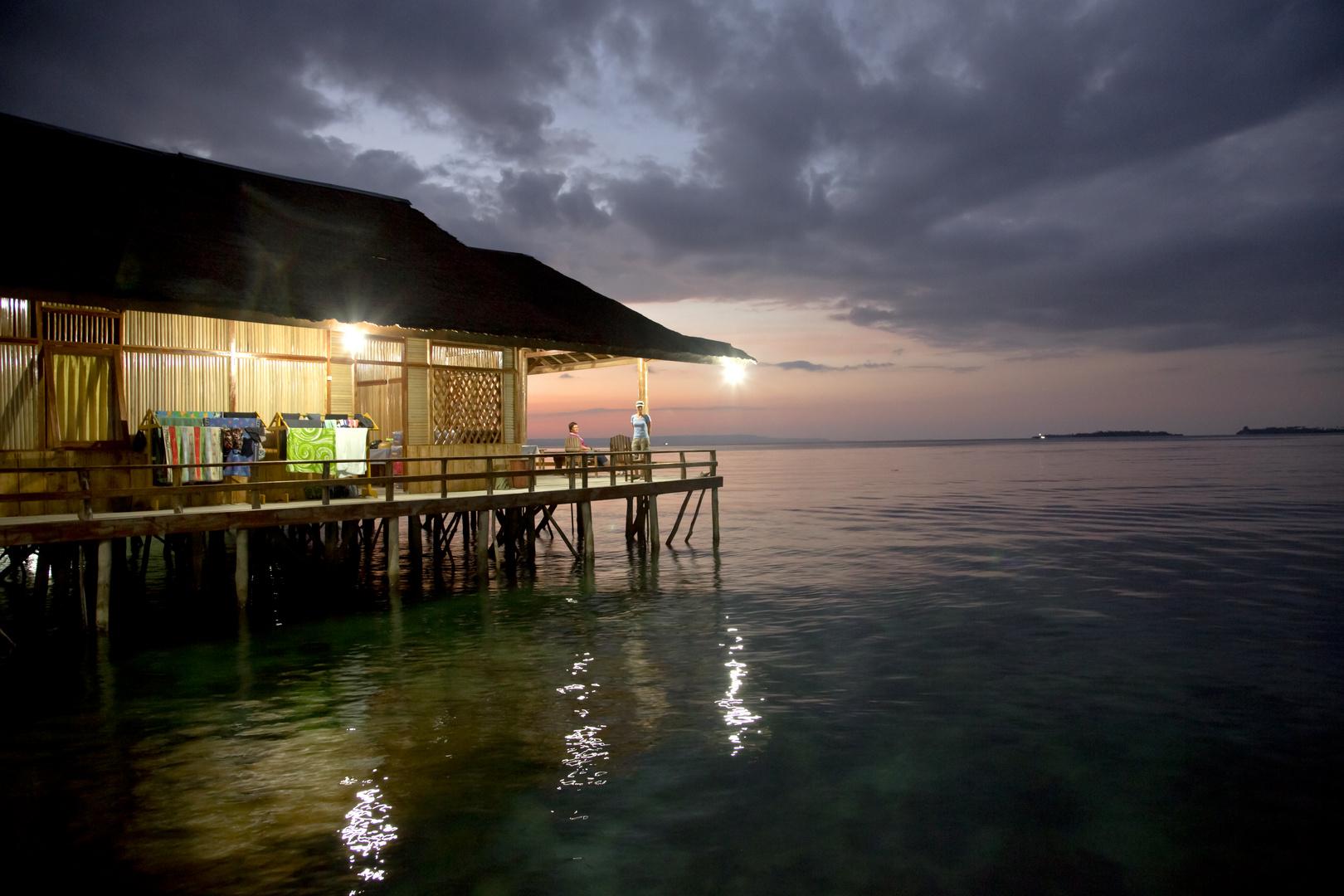Abend in Sawai- Insel Seram