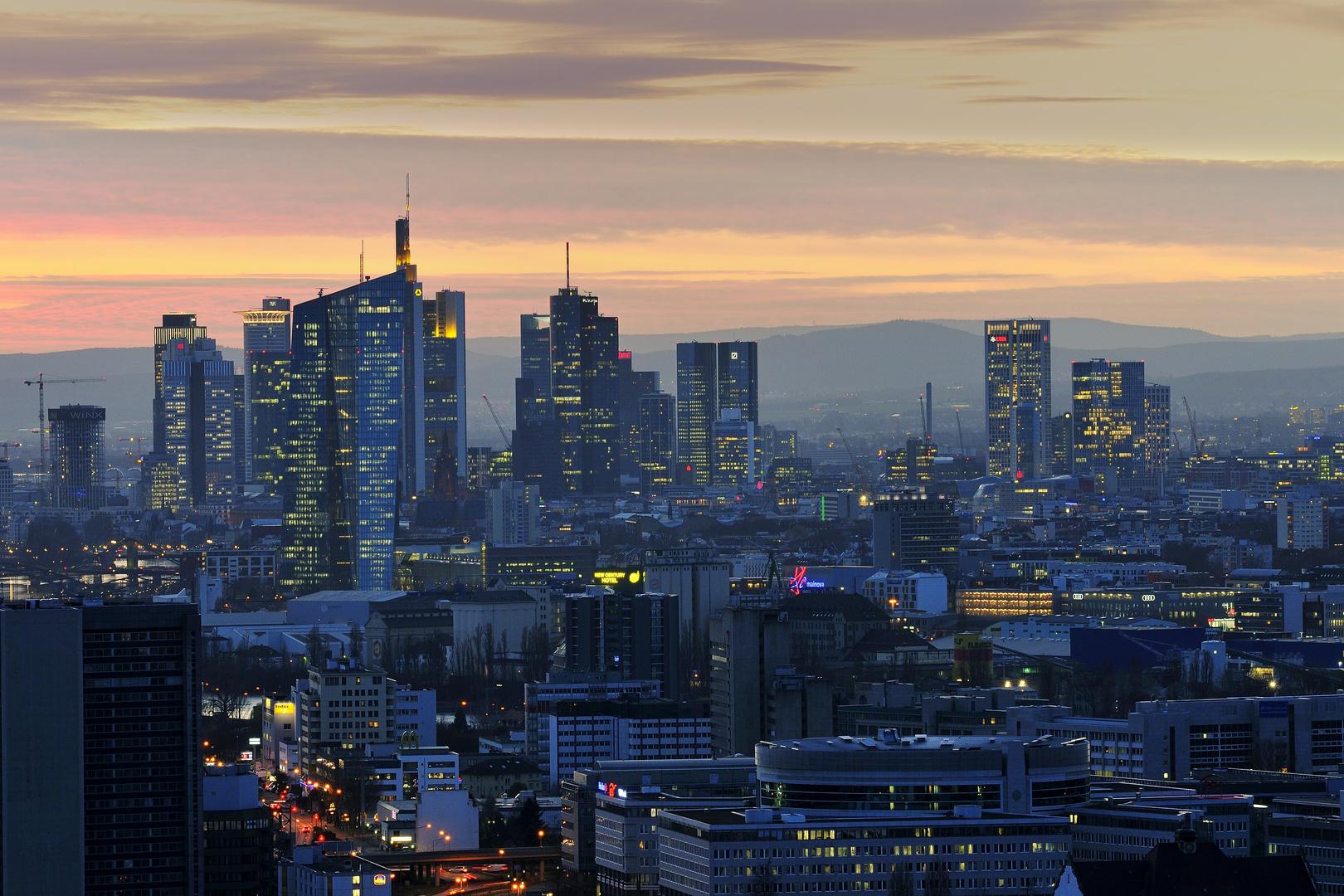 Abenddämmerung über der City