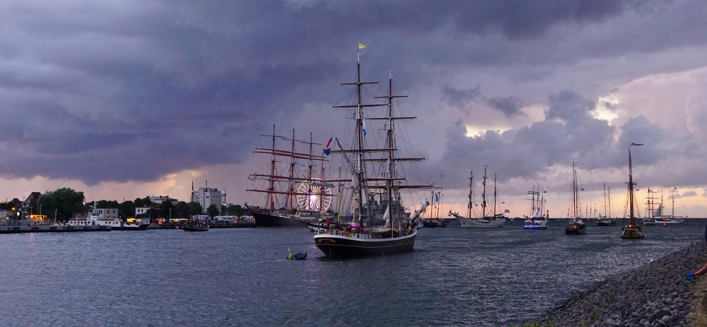 Abendliche Impressionen Hanse Sail Teil II