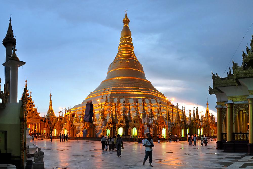 abendliche Shwedagon
