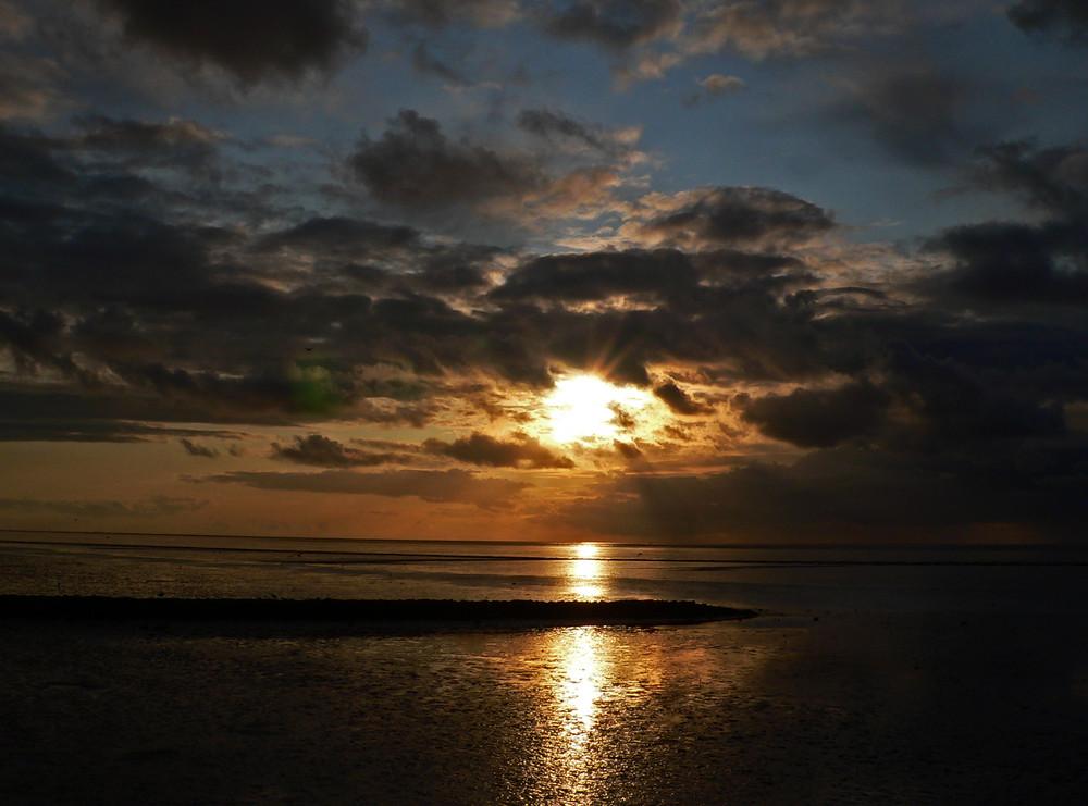 Abendliche Strandimpressionen von Nordeich Ostfriesland